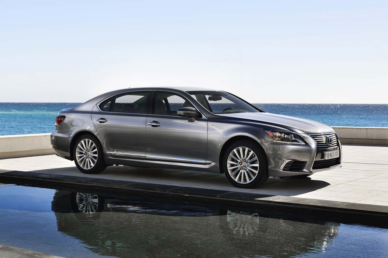 2019 Lexus LS 600h L photo - 3