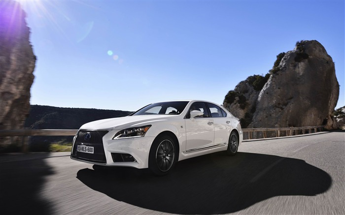 2019 Lexus LS EU Version photo - 4