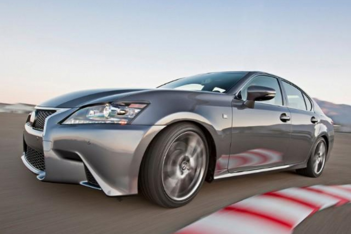2019 Lexus SC430 photo - 1