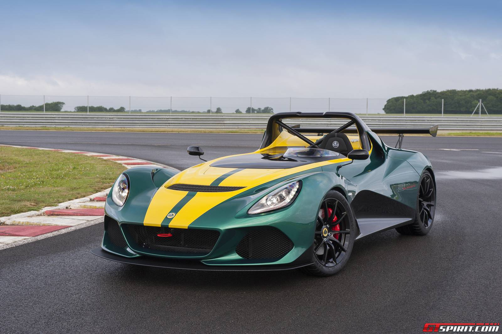 2019 Lotus Evora photo - 5