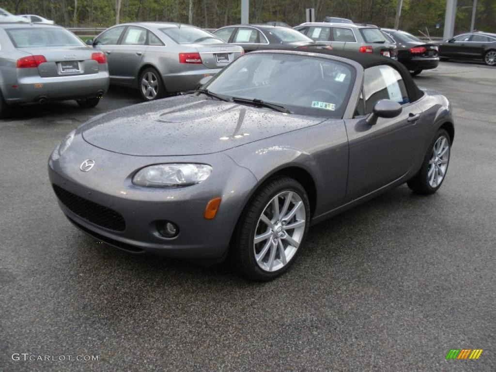 2019 Mazda MX 5 Miata Roadster photo - 1