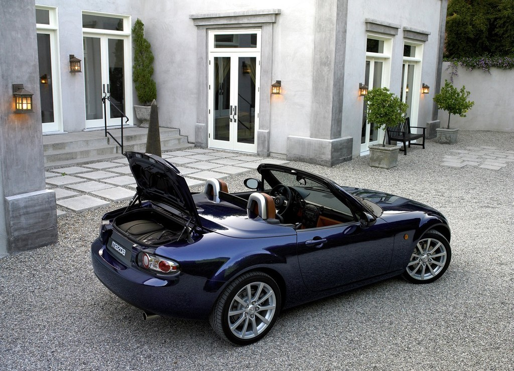 2019 Mazda MX 5 Miata Roadster photo - 4