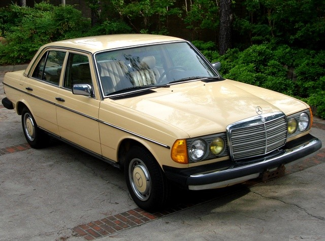 2019 Mercedes Benz 240 D 3.0 photo - 2