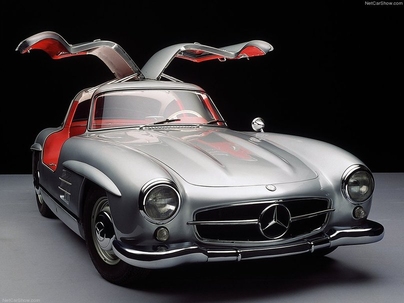 2019 Mercedes Benz 300 SL Gullwing photo - 3