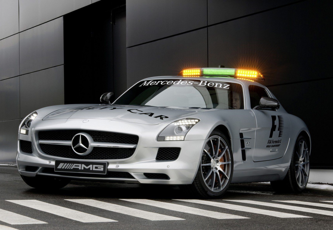 2019 Mercedes Benz AMG GT S F1 Safety Car photo - 5