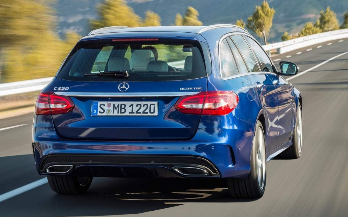 2019 Mercedes Benz C Class Estate photo - 2