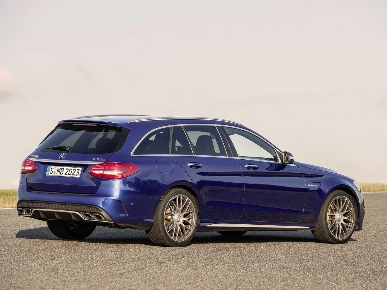 2019 Mercedes Benz C63 AMG Estate photo - 5