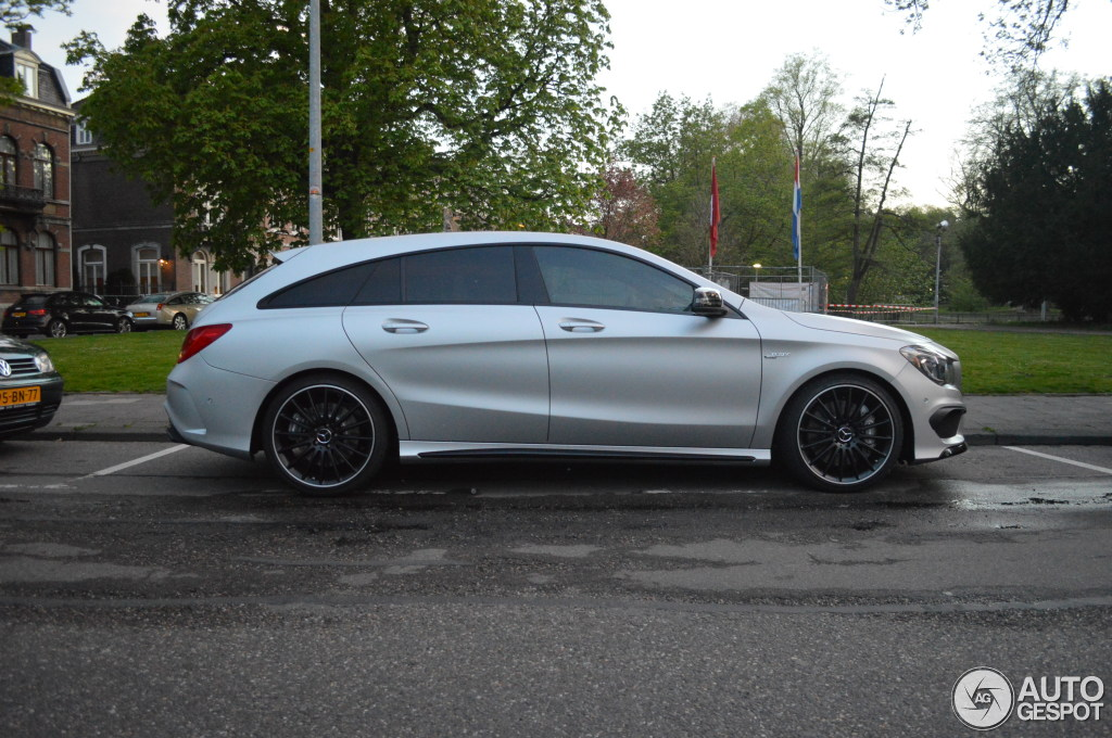2019 Mercedes Benz CLA45 AMG Shooting Brake photo - 3