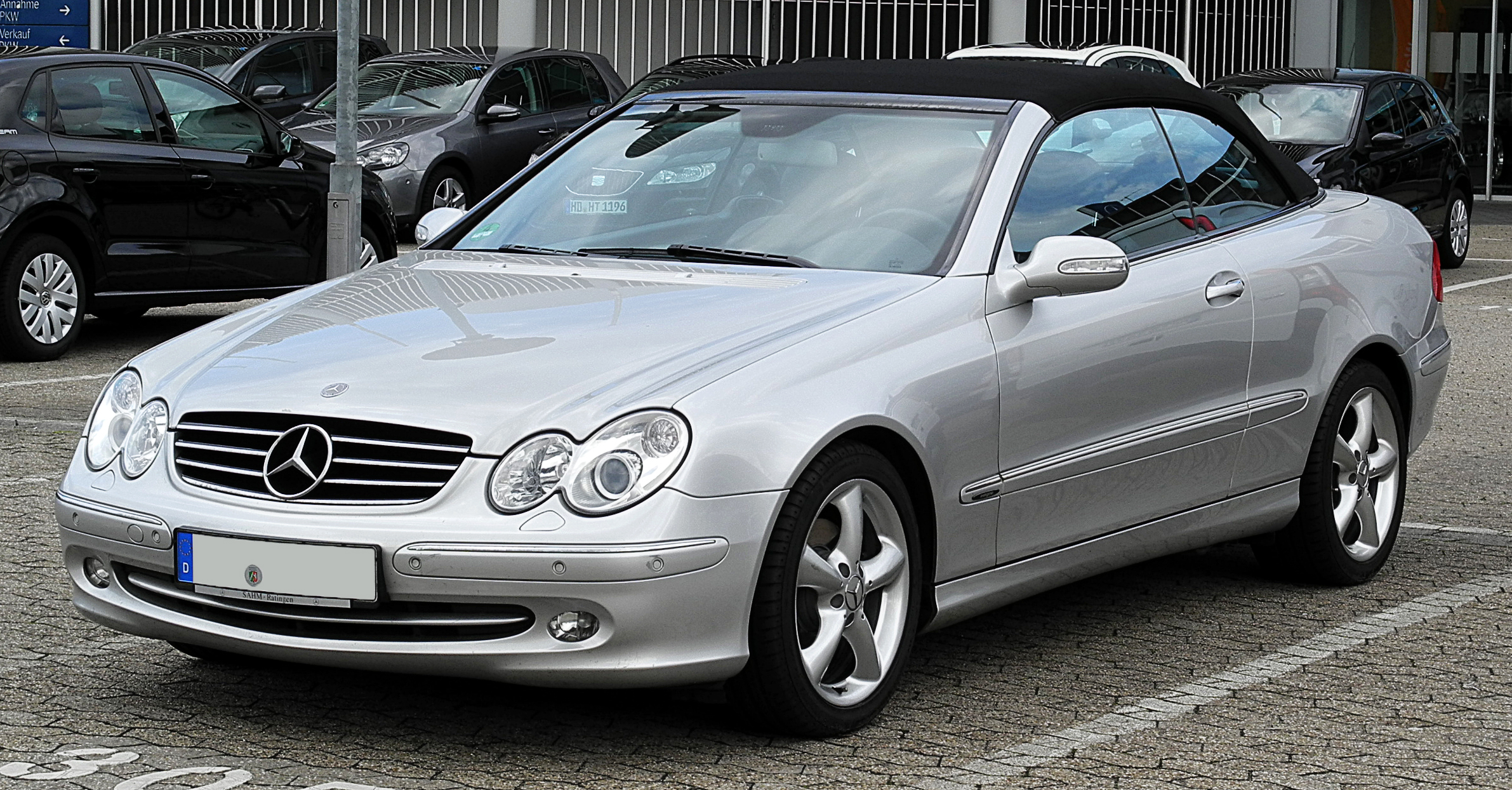 2019 Mercedes Benz CLK320 Cabriolet photo - 3