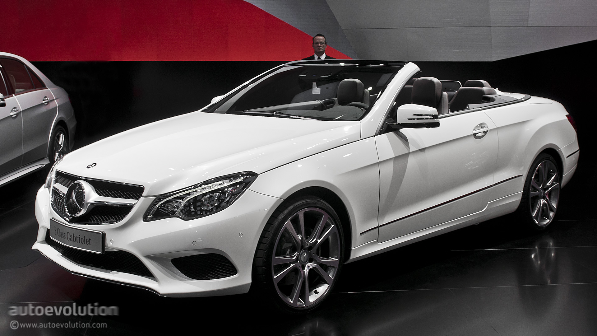 2019 Mercedes Benz E Class Cabriolet photo - 1