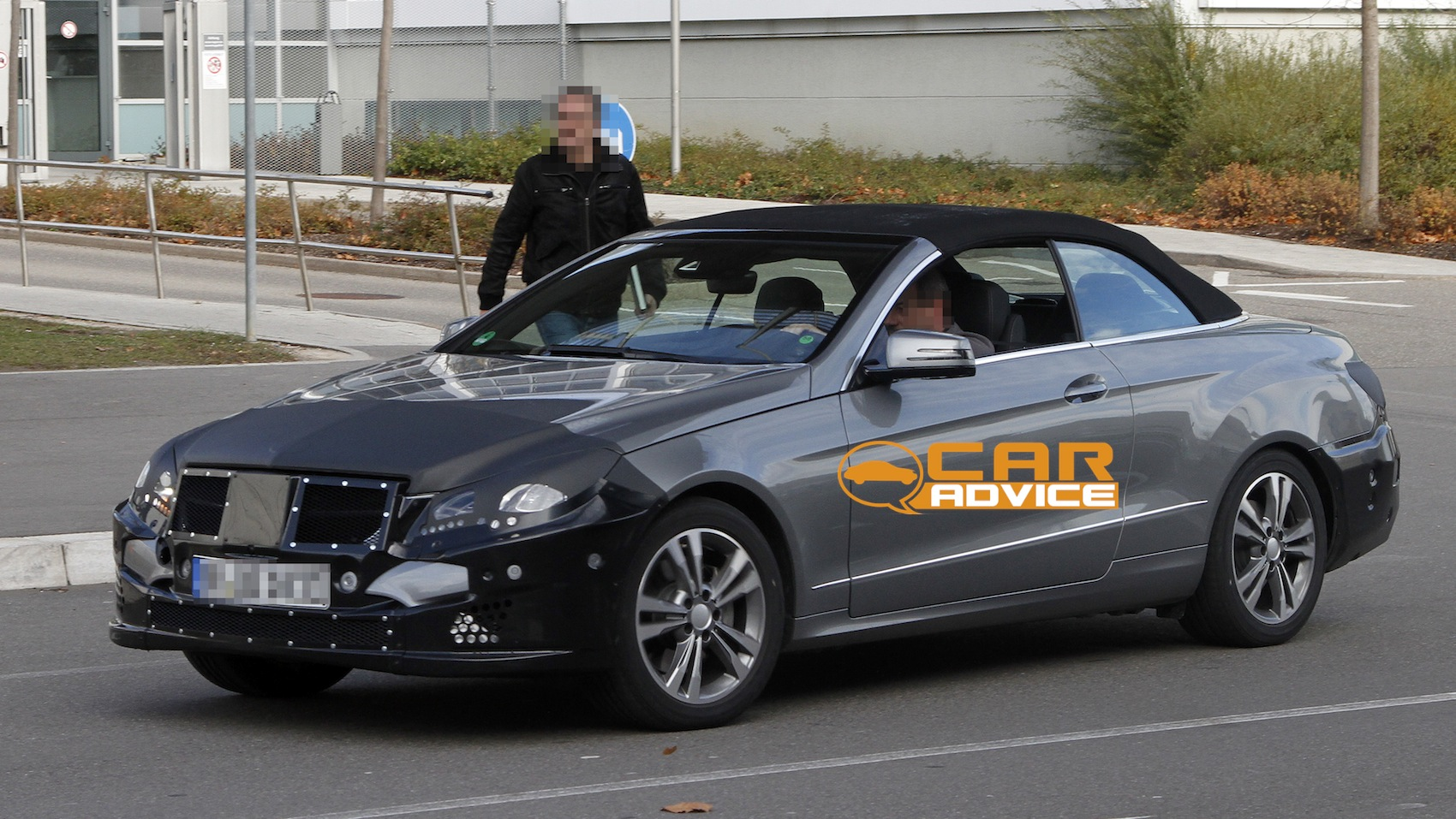 2019 Mercedes Benz E Class Cabriolet photo - 2
