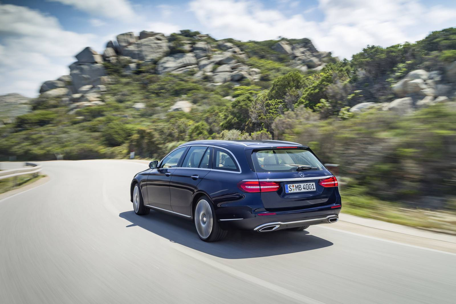2019 Mercedes Benz E Class Estate UK Version photo - 4
