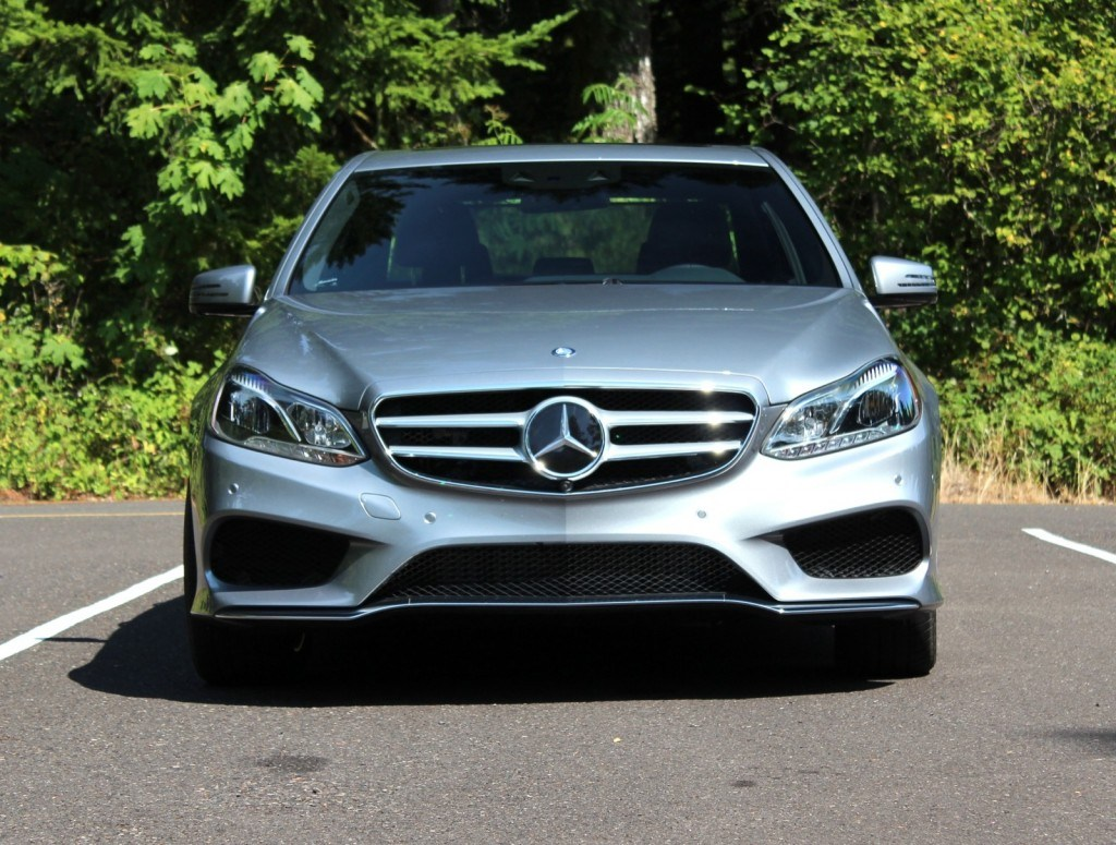 2019 Mercedes Benz E Class L photo - 2