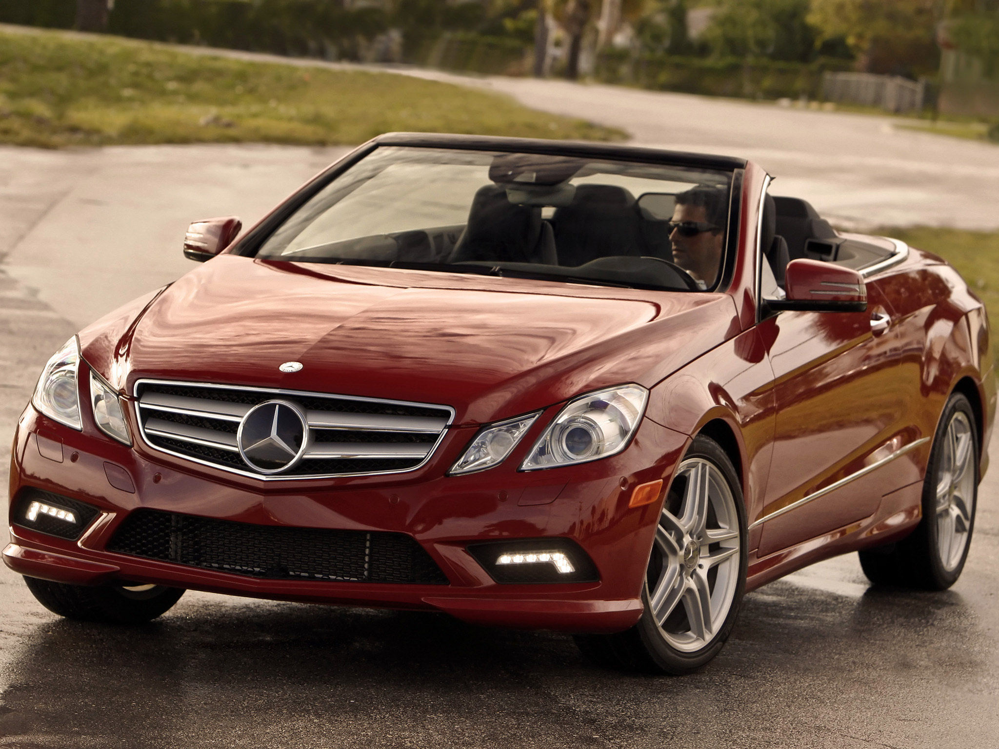 2019 Mercedes Benz E550 Cabriolet photo - 3