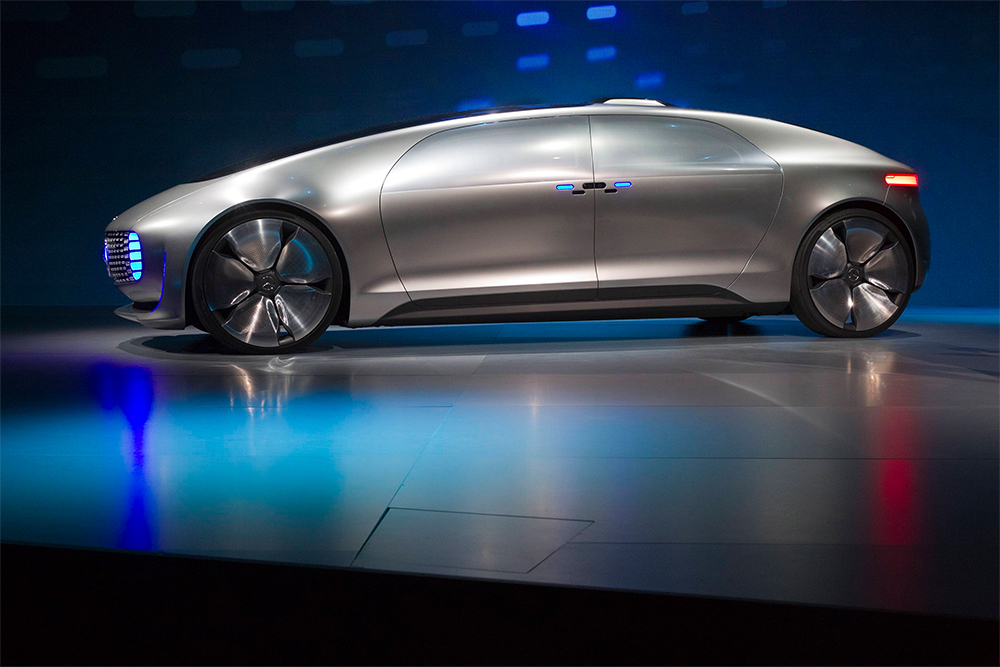 2019 Mercedes Benz F015 Luxury in Motion Concept photo - 4