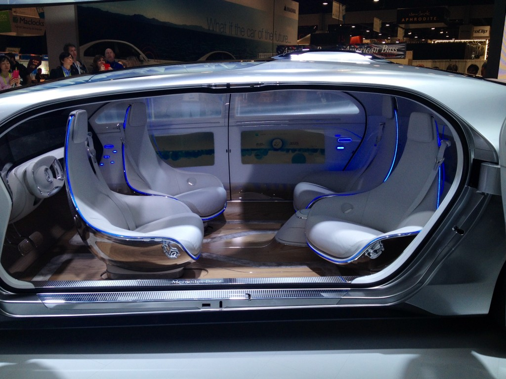 2019 Mercedes Benz F015 Luxury in Motion Concept photo - 6