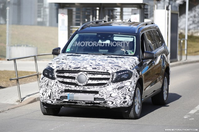 2019 Mercedes Benz GL Class photo - 2