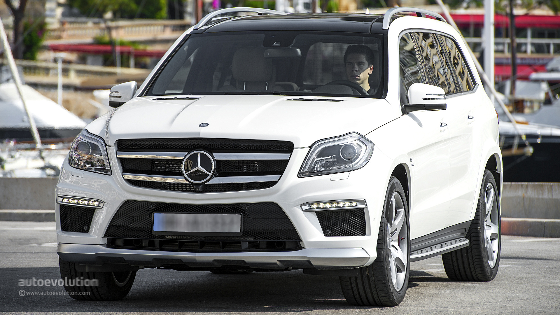 2019 Mercedes Benz GL63 AMG photo - 6