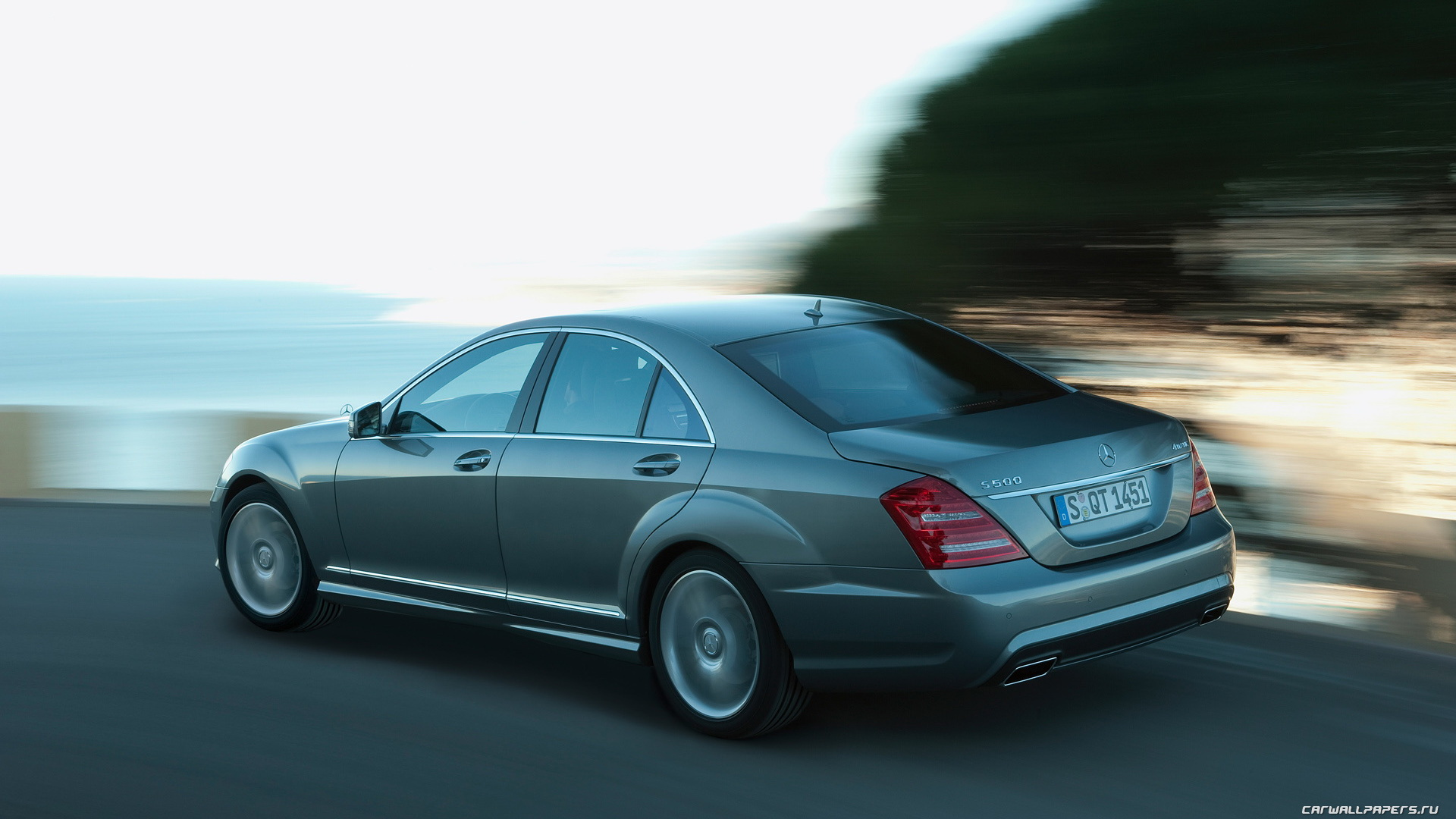 2019 Mercedes Benz S Class AMG Sports Package photo - 3