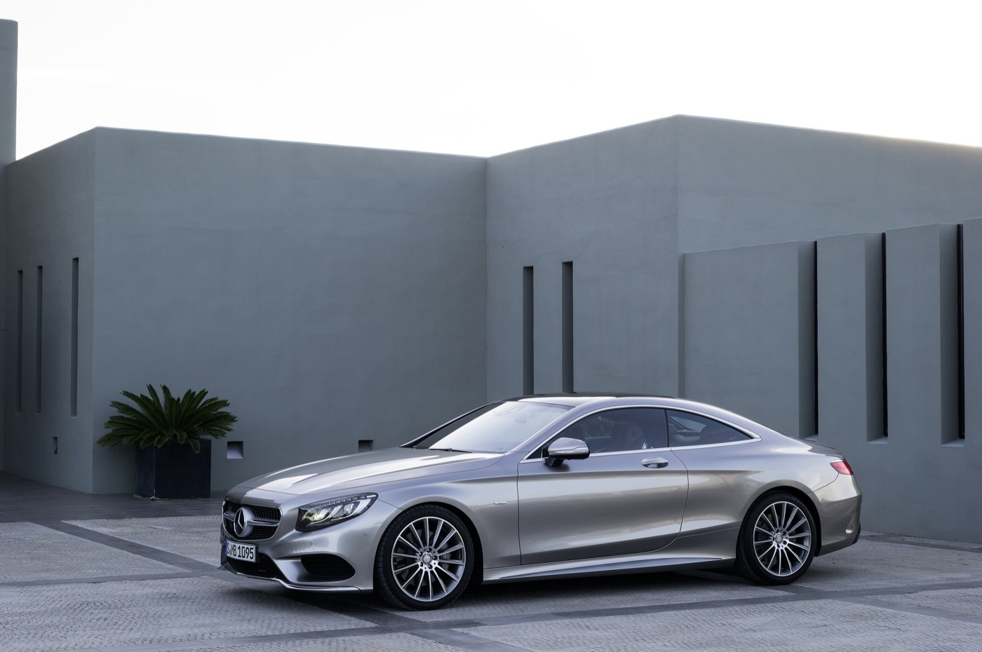 2019 Mercedes Benz S Class Coupe photo - 4