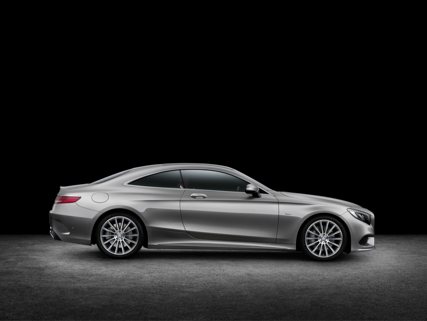 2019 Mercedes Benz S Class Coupe photo - 5