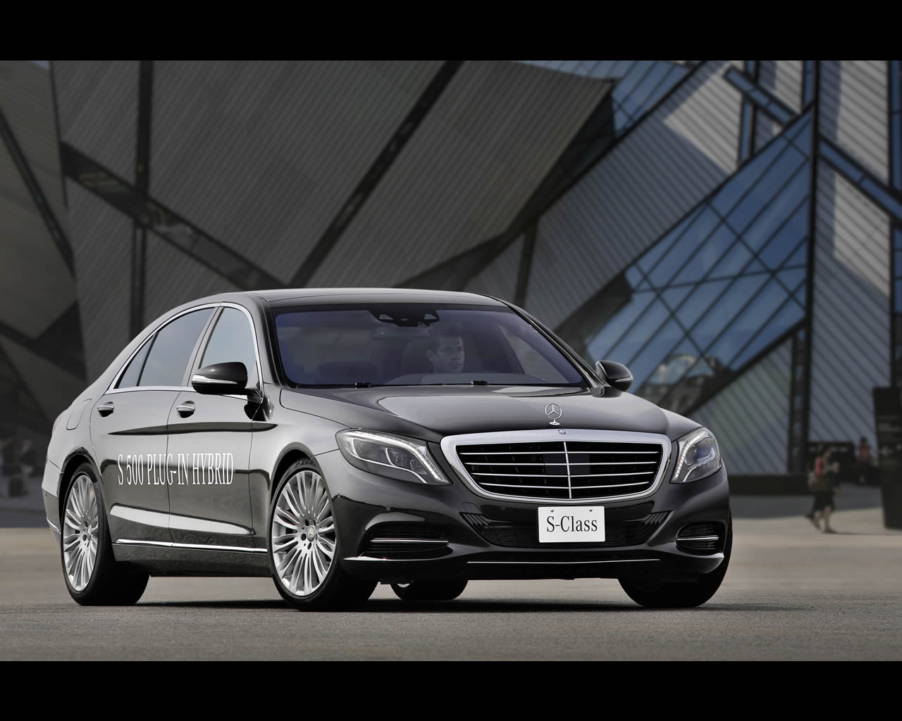2019 Mercedes Benz S500 Plug in Hybrid Concept photo - 2