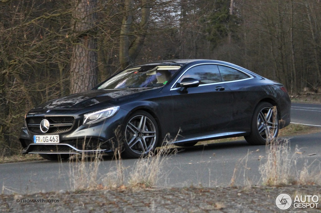 2019 Mercedes Benz S63 AMG Coupe photo - 3