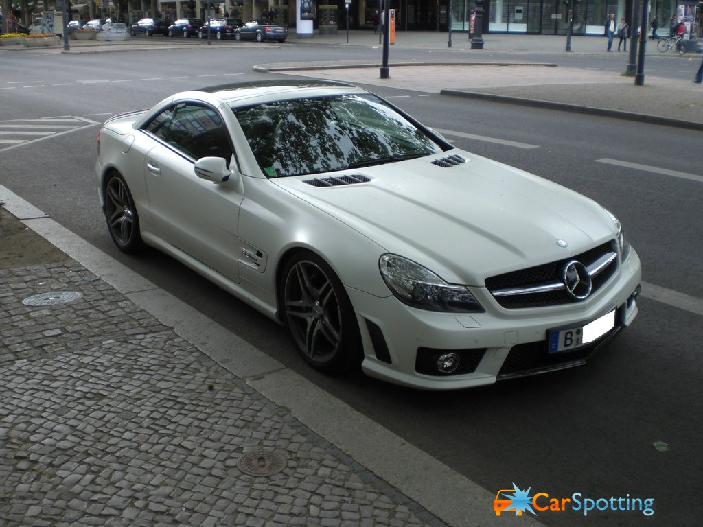 2019 Mercedes Benz SL 63 AMG Edition IWC photo - 5