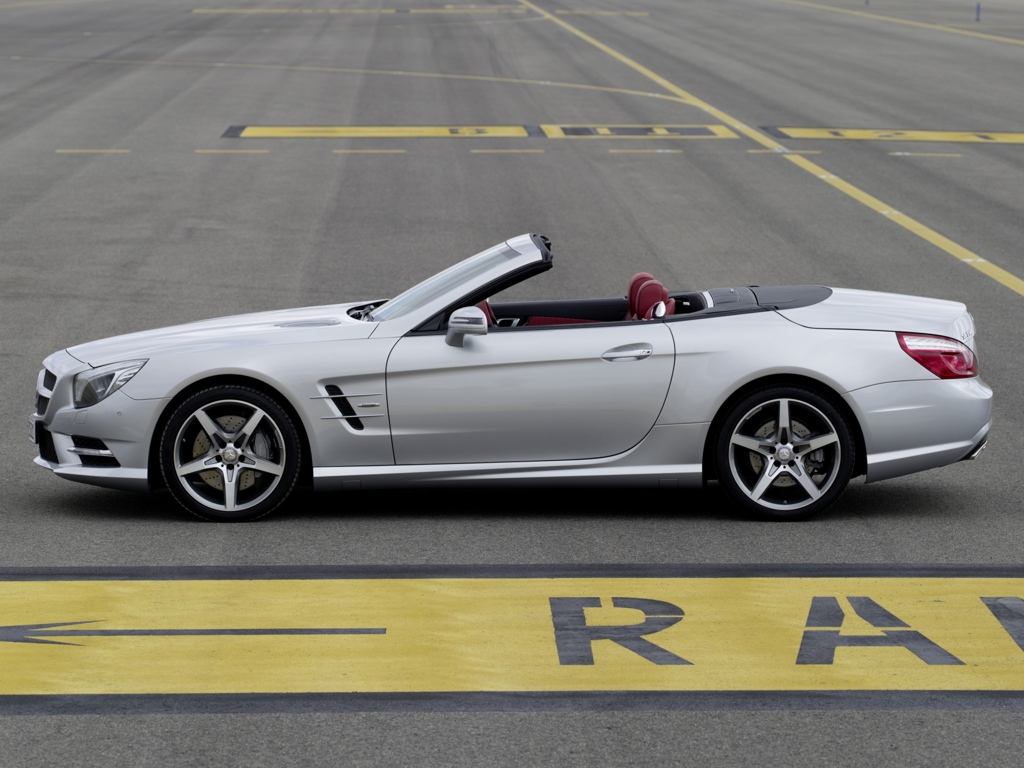 2019 Mercedes Benz SL Class Sports Package photo - 5