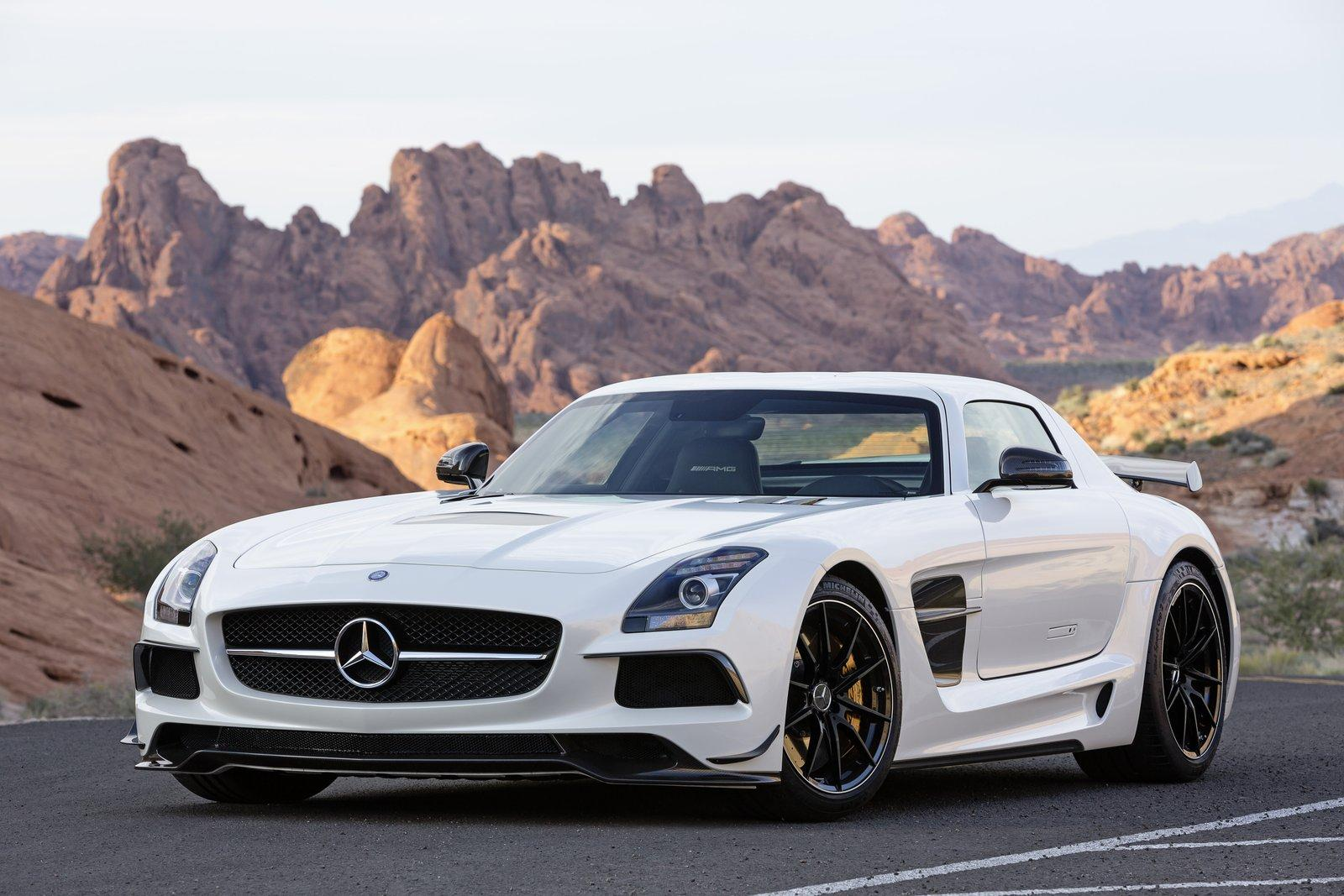 2019 Mercedes Benz SL500 photo - 1