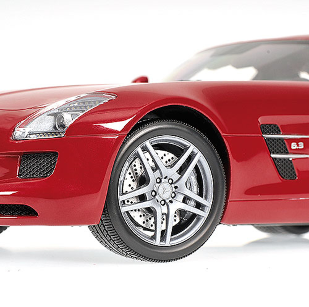 2019 Mercedes Benz SLS AMG photo - 2