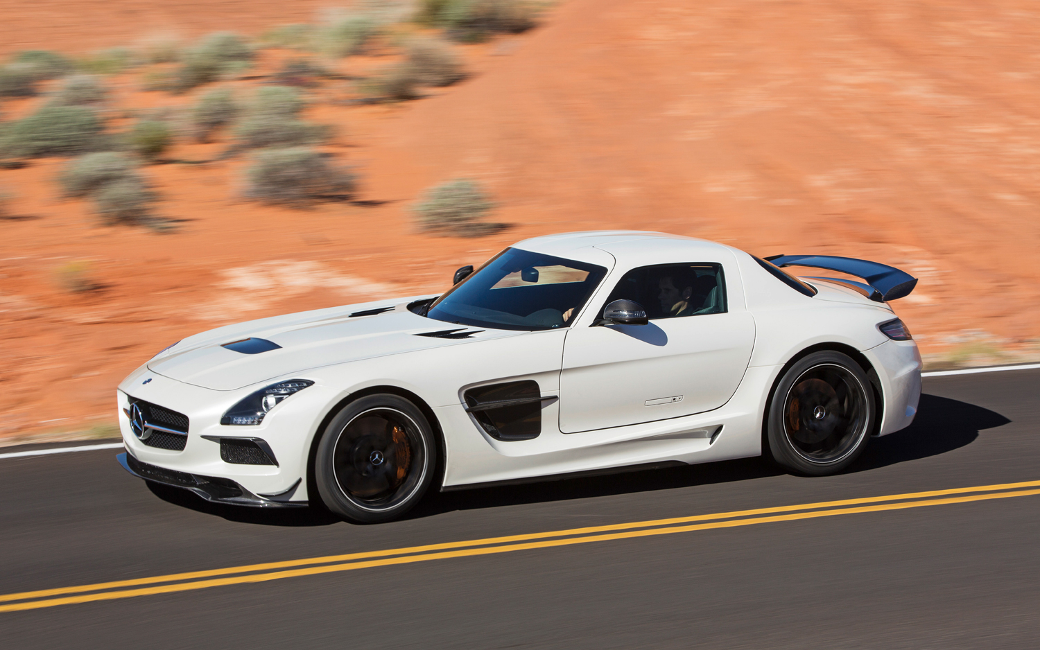 2019 Mercedes Benz SLS AMG photo - 5