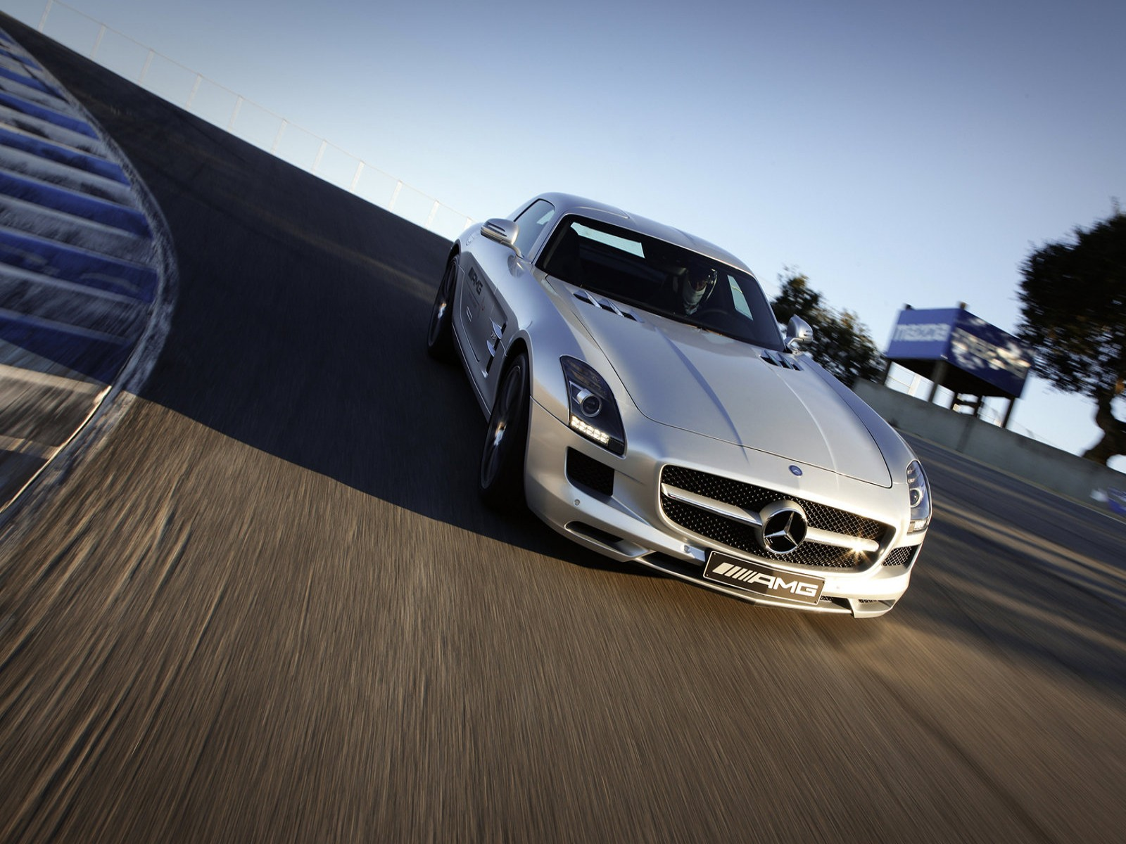 2019 Mercedes Benz SLS AMG US Version photo - 2
