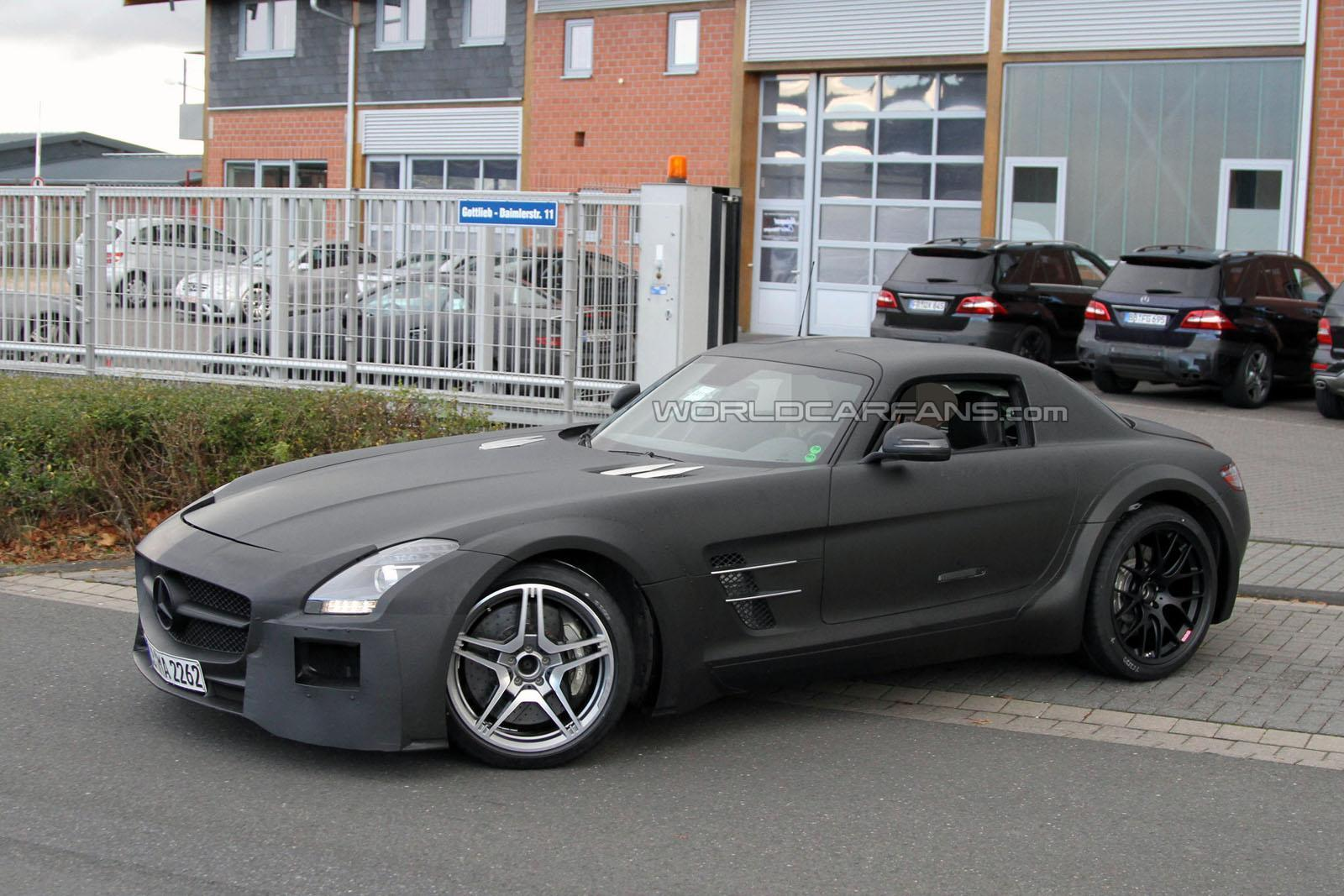 2019 Mercedes Benz SLS AMG US Version photo - 3