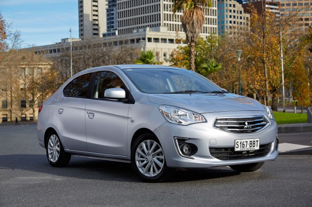 2019 Mitsubishi Mirage photo - 3