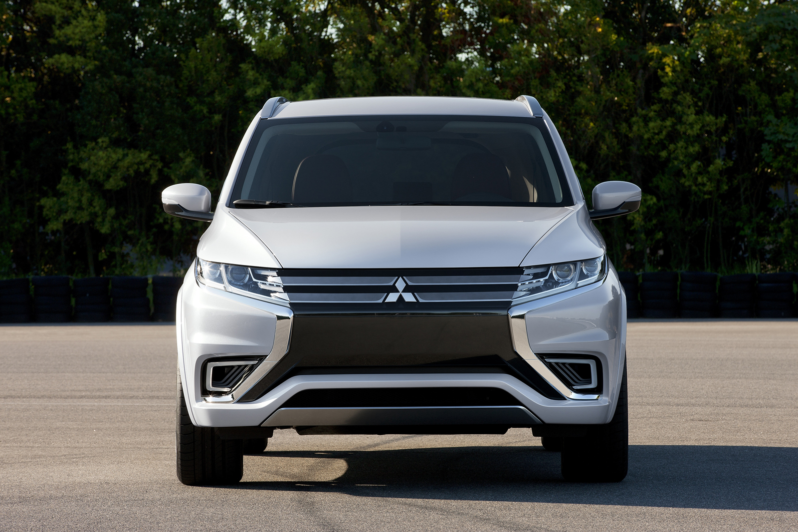 2019 Mitsubishi Outlander Gt Concept Car Photos Catalog 2018