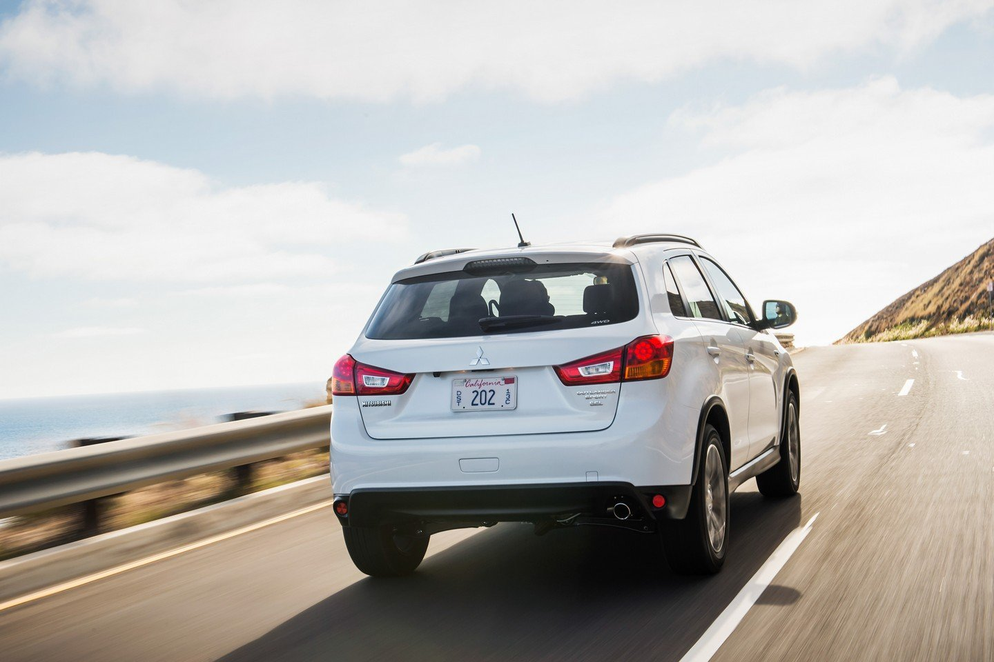 2019 Mitsubishi Outlander Sport photo - 1