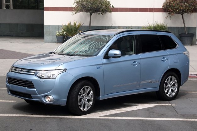 2019 Mitsubishi Outlander US Version photo - 3