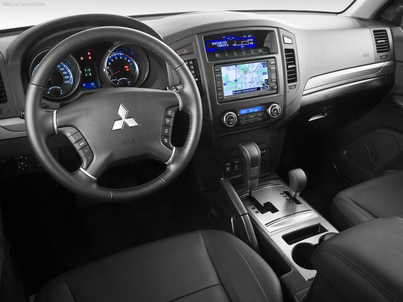 2019 Mitsubishi Pajero European Specs photo - 4