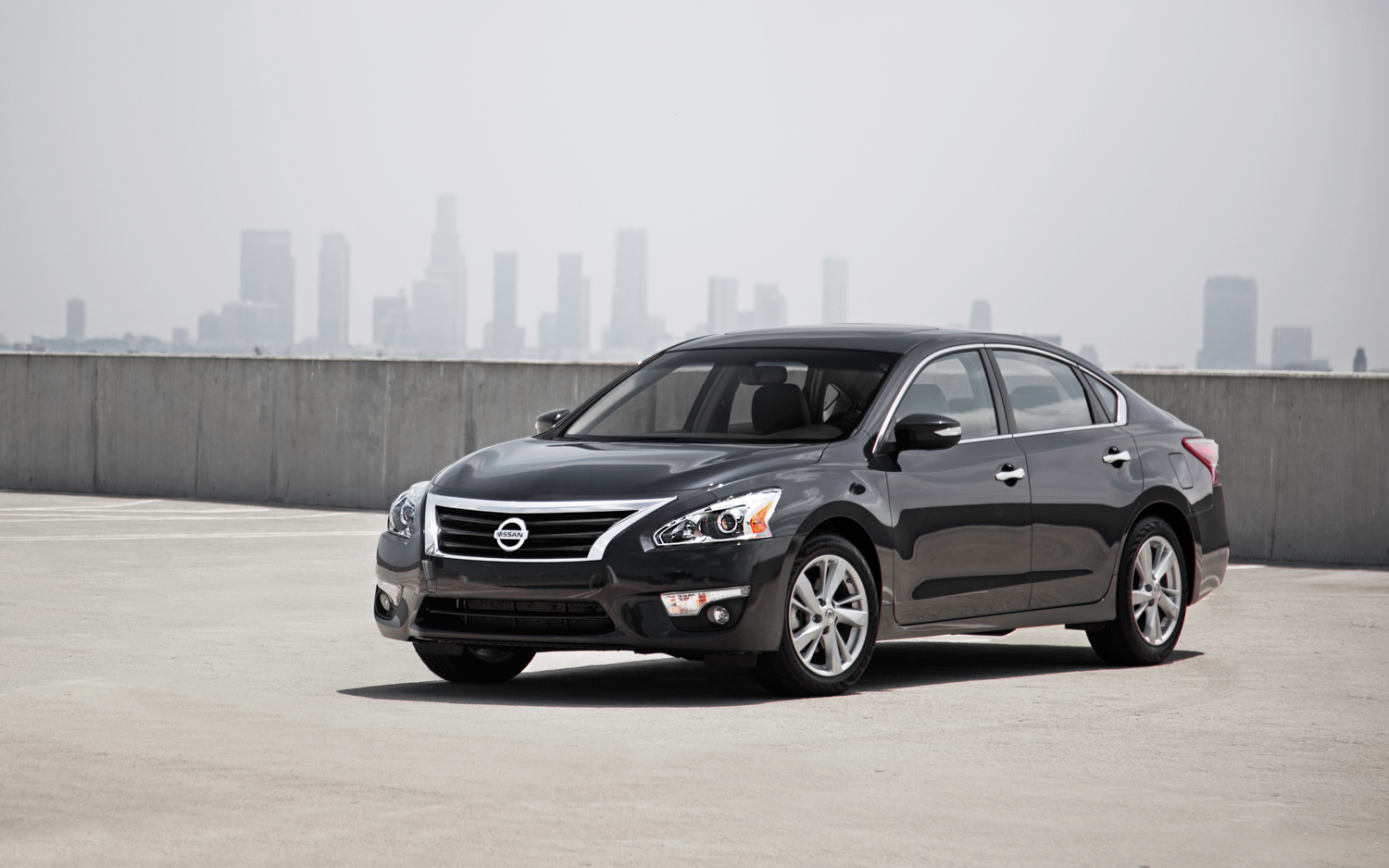 2019 Nissan Altima photo - 2