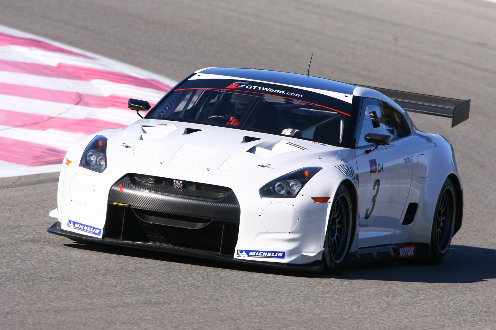 2019 Nissan GT R GT500 Race car photo - 2