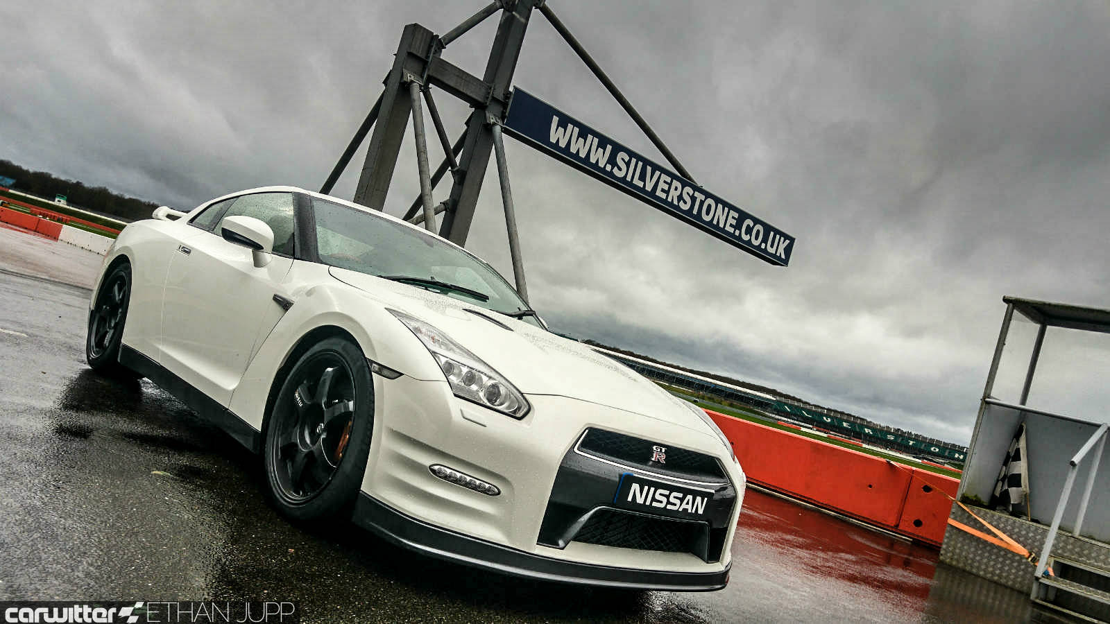 2019 Nissan GT R Track Pack photo - 1