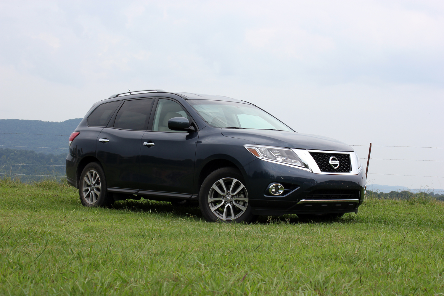 2019 Nissan Pathfinder photo - 5