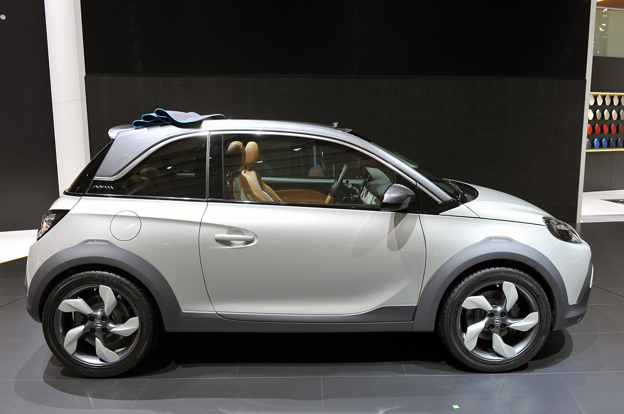 2019 Opel Adam Rocks Concept photo - 5