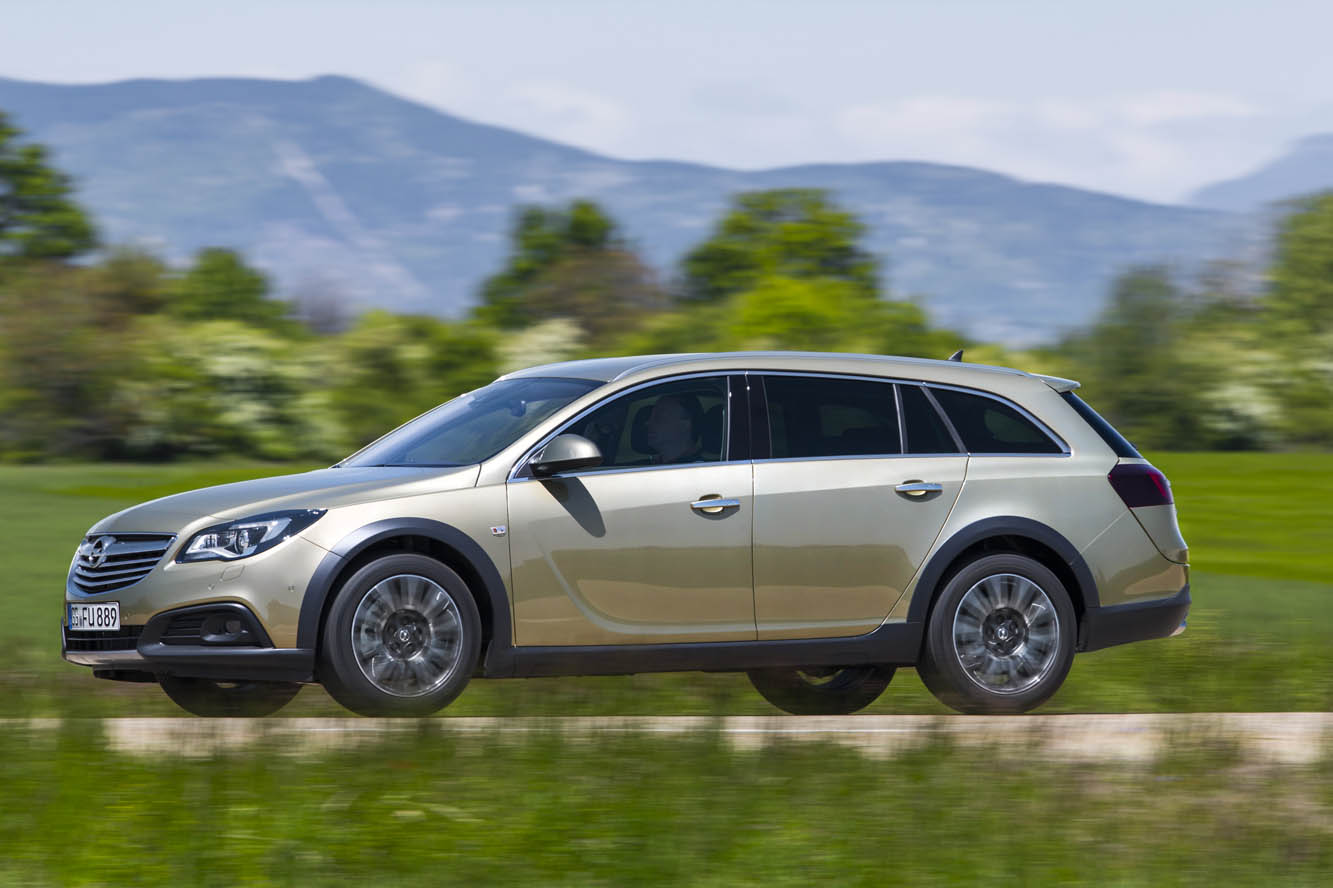 2019 Opel Insignia Country Tourer photo - 4