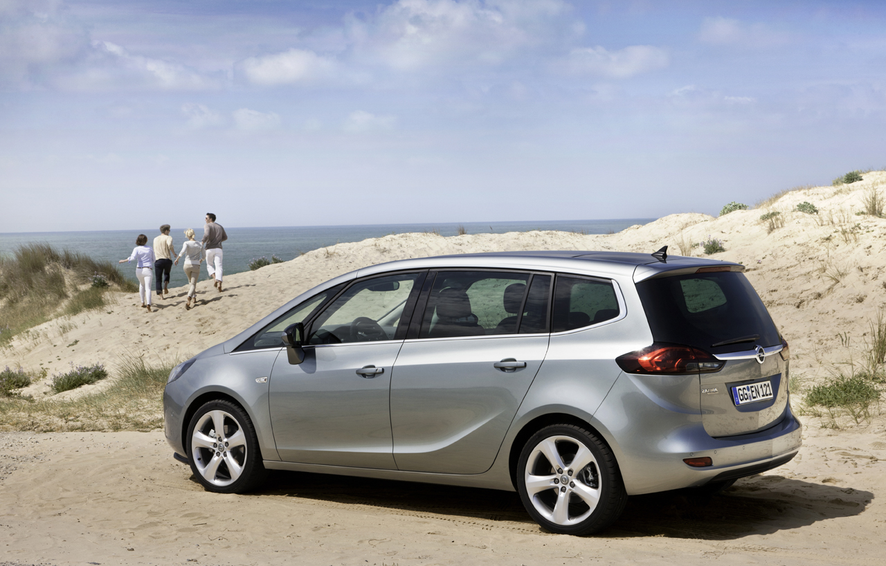 2019 Opel Zafira Tourer photo - 5
