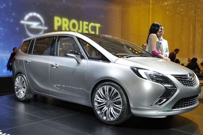 2019 Opel Zafira Tourer Concept photo - 2