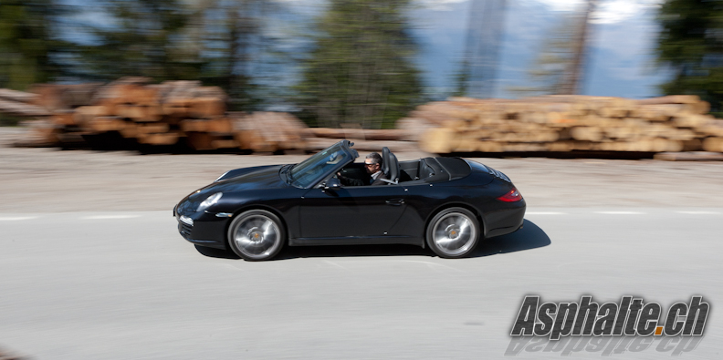 2019 Porsche 911 Black Edition photo - 4