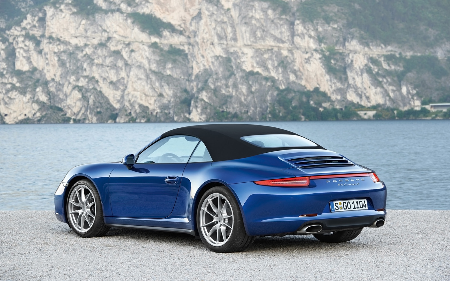 2019 Porsche 911 Carrera 4 Cabriolet photo - 3