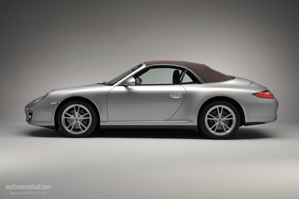 2019 Porsche 911 Carrera 4 Cabriolet photo - 5